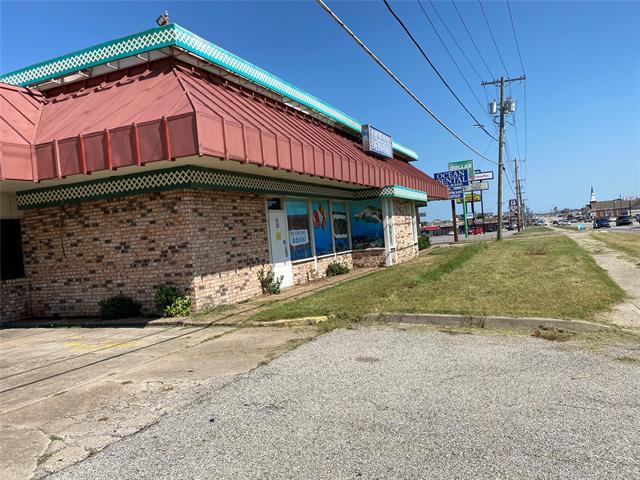 6801 E Admiral Place, Tulsa, OK 74115