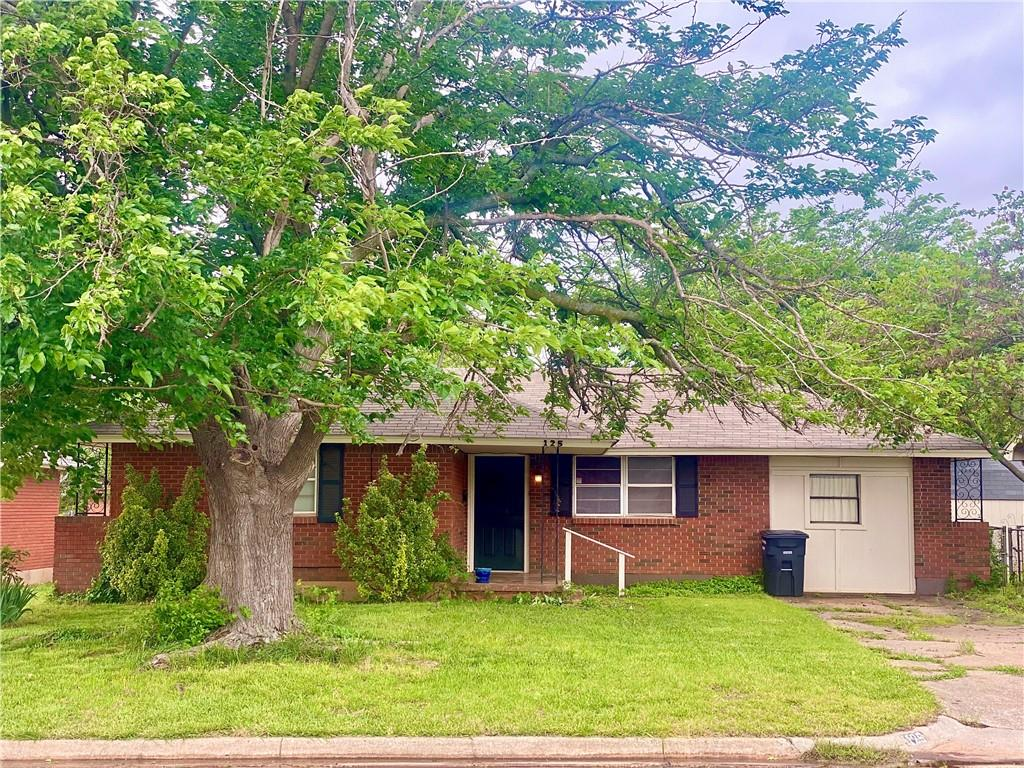 WELCOME TO THIS UPDATED 4 BEDROOM 1 BATH HOME IN THE HEART OF MOORE.  MOORE PUBLIC SCHOOLS. CLOSE TO DINING, SHOPPING AND I-35. COMPLETE WITH A STORM SHELTER, INDOOR LAUNDRY AND EXTRA SPACE TO GROW IN, THIS HOME IS FOR YOU. CALL AND MAKE YOUR APPOINTMENT TODAY!  *Back on the market with repairs and inspections complete. see supplements for a list of updates.