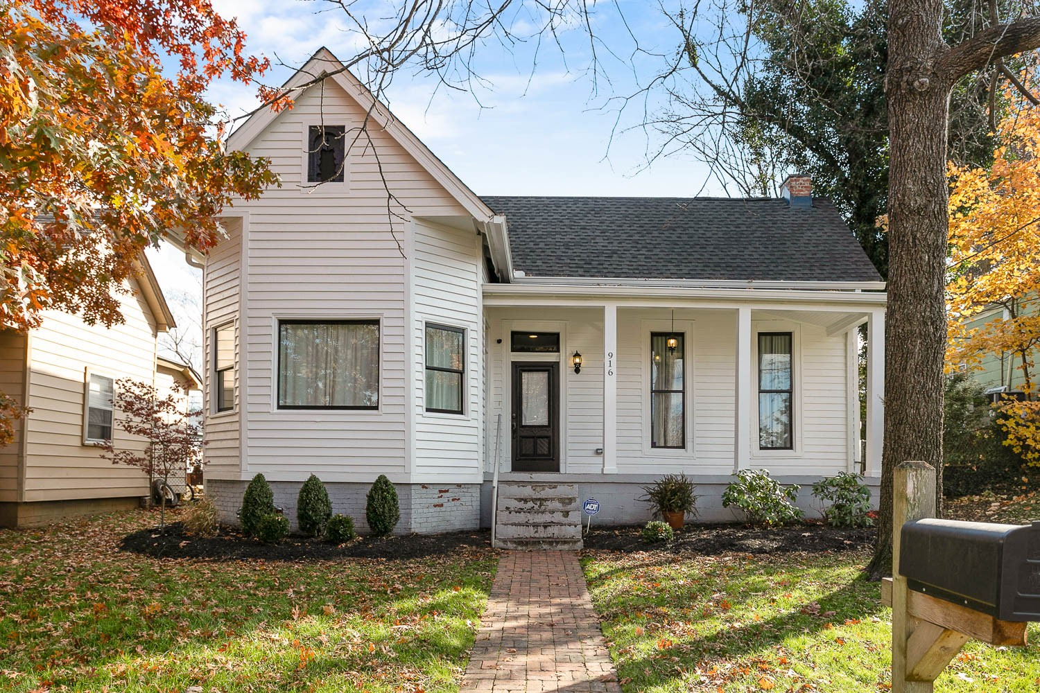 This beautifully renovated victorian home, located in the desirable Historic Edgefield neighborhood, is just a 10 minute walk to 5 Points where you can enjoy an abundance of eateries, hangouts, and local shops. This home features a spacious living area, a lavish master bed & bath with an extra large walk-in closet. The outdoor space has a sweet front porch, and a large backyard with a beautiful deck, perfect for entertaining.