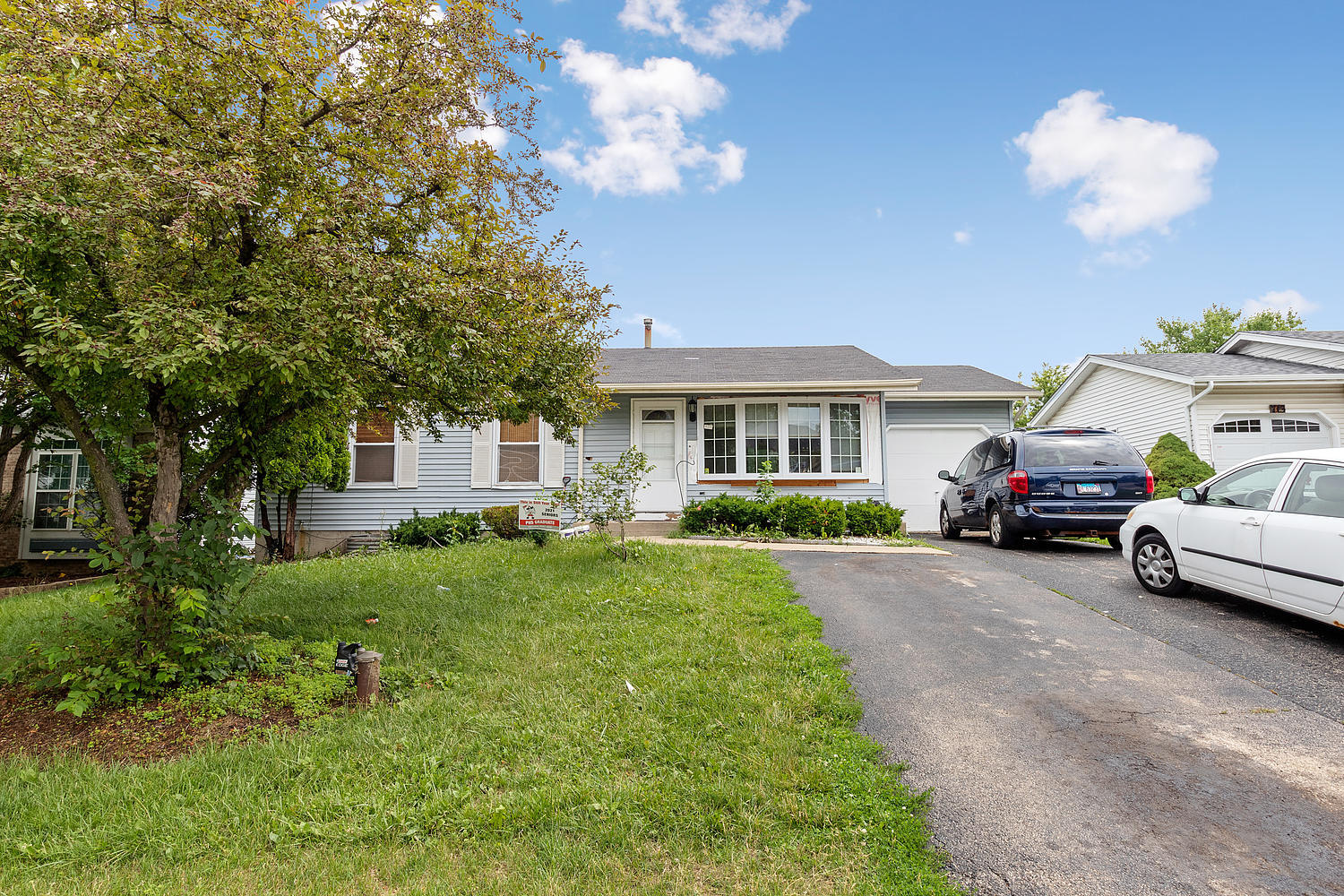 BEAUTIFUL RANCH HOUSE WITH BIG LOT. ENJOY THIS 3 BEDROOMS, 1.5 BATHS WITH EXTRA ROOM IN BASEMENT. HUGE FENCED BACKYARD. ALL APPLIANCES STAY. EXCELLENT LOCATION. NEAR TO SHOPPING, PARKS, METRA, YMCA, SUPERMARKET & PALATINE DOWNTOWN. WON'T LAST. THIS IS A SHORTSALE ALLOWED TIME FOR BANK APPROVAL.