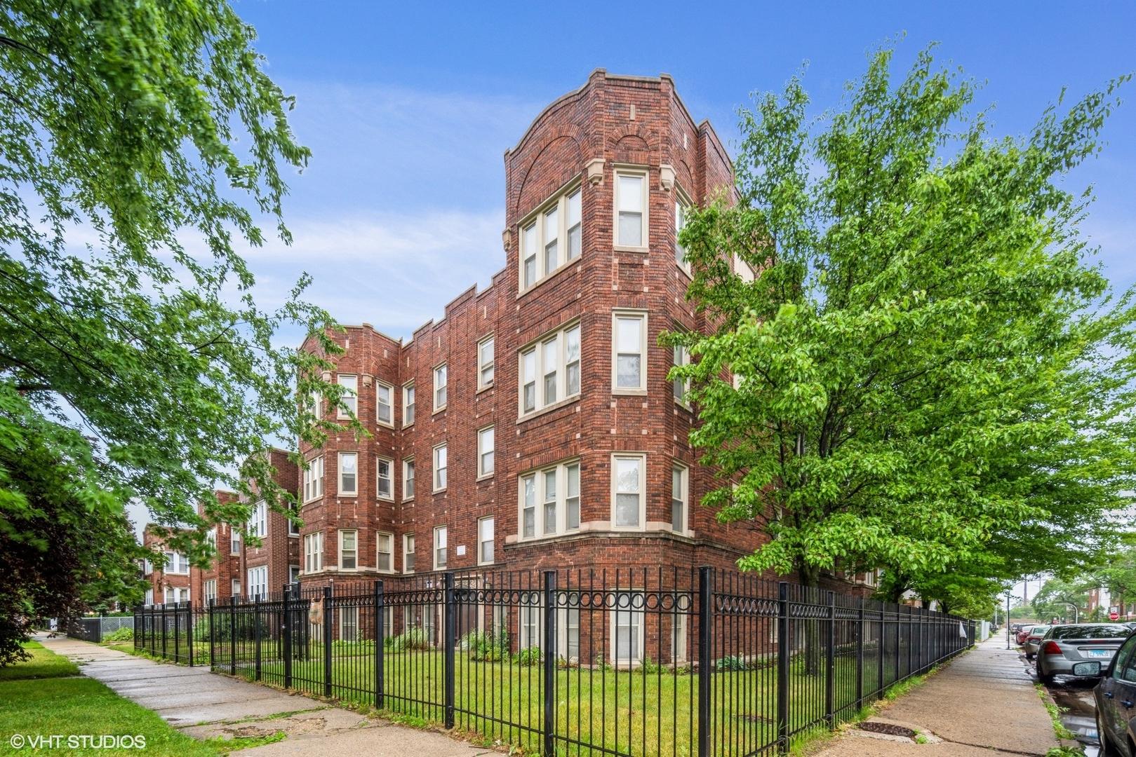 7800 S Ridgeland Avenue, Chicago, IL 60649