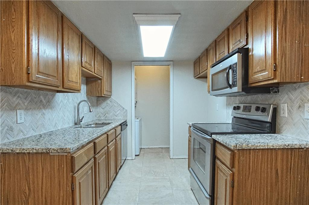Check out this nice 2 bedroom 2 bath condo. Fresh paint, new carpet, granite counters and new tile in the kitchen. Great access to I-35, close to shopping, and community pool. Owner occupants only.