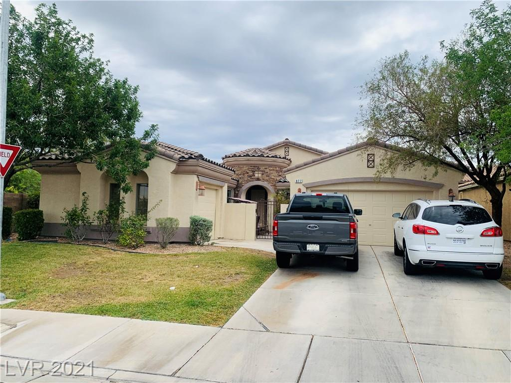 THIS IS A GORGEOUS SPANISH STYLE SINGLE STORY HOME WITH CARRIAGE GARAGE! AMAZING LAYOUT WITH PLENTY OF OPEN SPACE! MULTIPLE LIVING AREA'S! 2 CAR GARAGE WITH AN ADDITIONAL 3 CAR GARAGE LOCATED ON OPPOSITE SIDE OF THE HOUSE! SELLER HAVING HOME PAINTED! UPGRADED FLOORING!