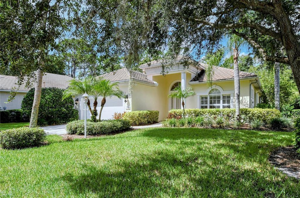 7016 Lennox Place, University Park, FL 34201