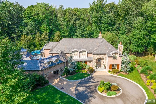 5 Deertrail Road, Saddle River, NJ 07458