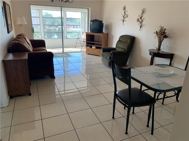 Beautiful condo 1 bedroom, 1.5 bathrooms, tiles through out, update kitchen, super clean ready to move in. Nice community 3 pool, shuffleboard, billiard room, sana, exercice room and more. To move in, need first, last and security. Furnitures can stay if you need. This is a 55+ community