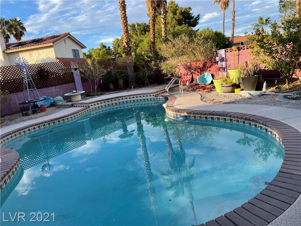 Easy to show with 24 hour notice. Beautiful well maintained home in the amazing Silverado Ranch area. This tri-level with a pool is a rare find and the location is convenient to the Strip, airport, shopping, and dining. Close freeway access makes it easy to get anywhere quick. Perfect opportunity to get in to a home is this competitive market. Lease ends in October and sale is subject to court approval. Tenant in place would like to stay in property if possible.