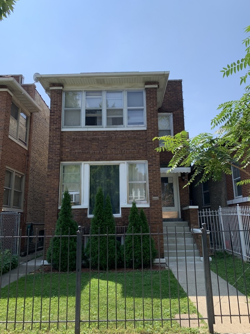 4045 W Nelson Street, Chicago, IL 60641