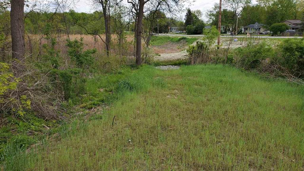 Nearly 18 acres of beautiful property located in Fenton Twp. Over 1500 feet of frontage on Thompson Rd. Stream running through the property. Awesome hunting and wildlife. Possibilities to build a home on the East end of the property. Land contract terms possible.