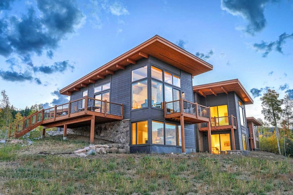 This 3431 sq ft double-master home is ideal for entertaining w/ enough room to accommodate everyone at the same time. Spacious, luxurious, indoor-outdoor living, the Summit is truly the pinnacle of mountain home ownership. Hop on a trail to the Aspen House and relax in the hot tubs, or come Summer time, head over to the 20-acre lake and Lake House for some paddle boarding. Other amenities include private fishing access, groomed Nordic Trails and sledding hill.