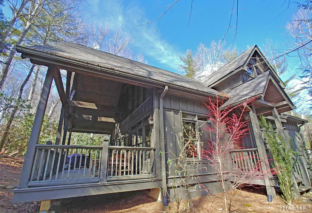 633 Seminole Way, Lake Toxaway, NC 28747