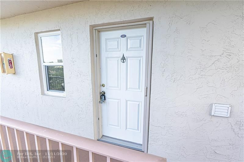 Come see this beautiful 2/2 condo that overlooks the lake from the third floor in Cypress Bend. Freshly painted, new plank vinyl flooring through out. Tons of amenities - Pool, Tennis, Gym, Walking Trails, Library and pet friendly.