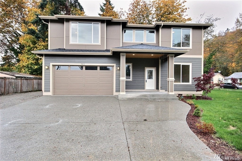 You will love this Brand new house on 10,056sq lot in Renton, WA next to Maplewood Golf Course. With open floor plan and 10' ceiling, EV Charger In garage, welcome entry, rich cabinets,  hardwood on main floor, wall to wall carpet, dining room, office/den on the main floor, huge windows and so much more. Move in Ready!!!