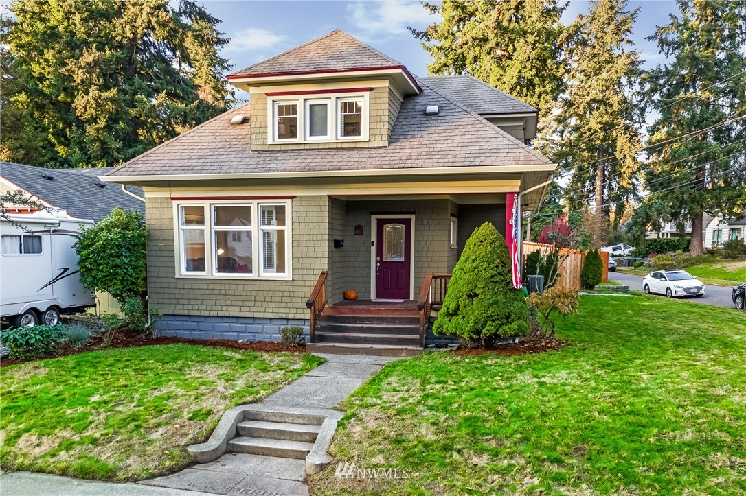 Welcome home to a historic 3 bedroom home in Fircrest! This well maintained crafstman-style home sits on a fully-fenced, large corner lot in a fantastic location. This home is perfect for all of your needs with a large living room, traditional dining room, and an office space perfect for working from home or potentially a 4th bedroom! The spacious and aesthetically pleasing features in the kitchen makes cooking at home worthwhile. The master bedroom features vaulted ceilings and separated closets. This home is in a great location for commuting on I-5 to JBLM or Seattle with close access to highway 16. Don't miss out, this home will not last long!
