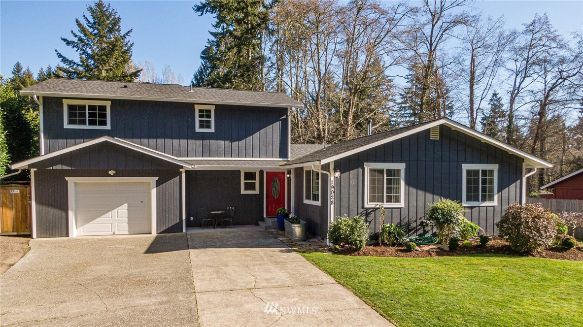 This 4-bedroom, 3-bathroom traditional style 2130 sq. ft. home is located in the Fir Ridge Neighborhood on Vashon Island.  It has been tastefully updated throughout: kitchen, appliances, flooring, lighting, cabinets, roof, interior and exterior painting.  Spacious master suite is on main floor, and 3 bedrooms (w/ one being an en-suite) & full bathroom upstairs. Private office space with door to exterior and an attached garage has work space. Fully fenced back yard, w/ patio, impeccably maintained lawn & raised beds ready for this springs plantings. Large outbuilding, great for storage or outdoor work space.  Close proximity to town-center, schools, ferries and beaches. Great Location!  Amazing opportunity to call Vashon home!