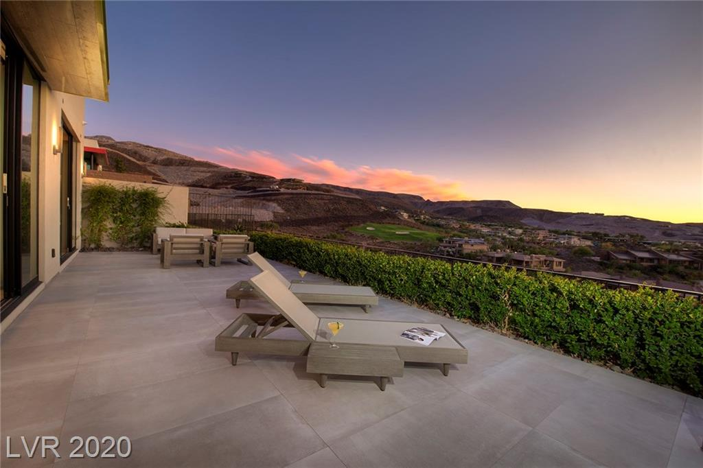 467 SERENITY POINT Drive