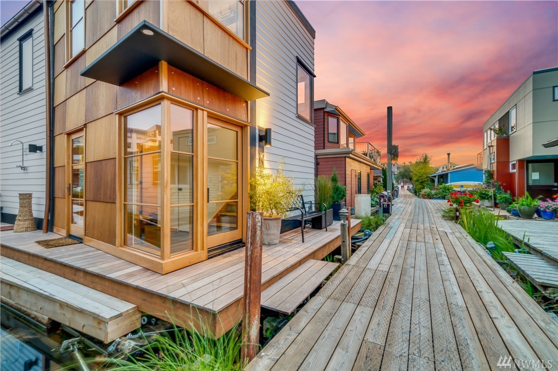 Once in a lifetime opportunity to have it ALL. Live with intention as you leave stress behind & step onto the most charming dock on Lake Union where your brand new architecturally inspired floating home offers you a front row seat to the Fireworks! Awake to the serene sounds of water lapping at your door & take a spin on your kayak after coffee on 360 view roof. End the day in your sumptuous master w/EPIC views of Space Needle & Lake. Unrivaled craftsmanship, appliances & technology throughout.
