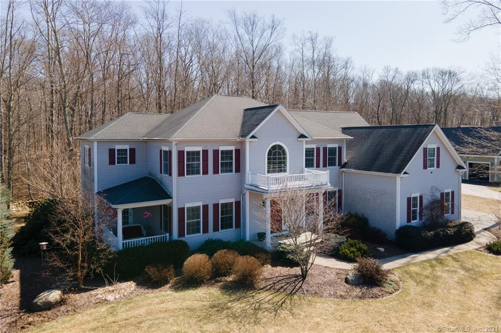 18 Whispering Woods Road