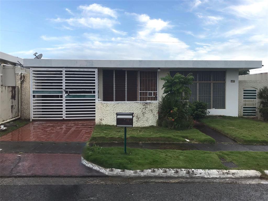 713 (31 2-G) 44 St Fairview Dev San Juan PR 926.Buyer agent commission of 3% or $1,000.