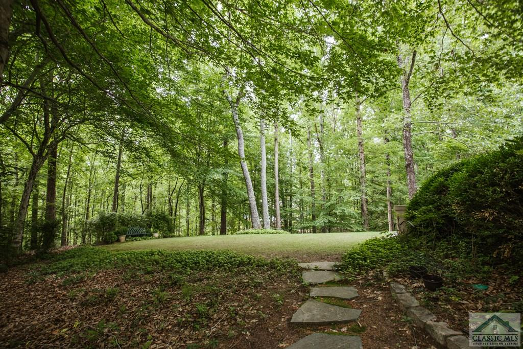 275 Red Oak Trail
