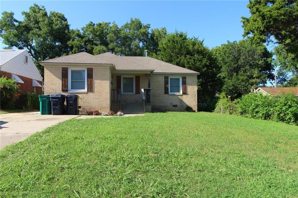 3 Bedroom 1 bathroom with all new fresh paint, hardwood floors. Located 2 blocks from I-35. Stove, fridge, Dishwasher supplied. Security deposit is equivalent to one month rent. Application fee applies per adult.