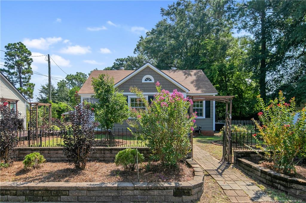 816 Greenland Drive, Fayetteville, NC 28305