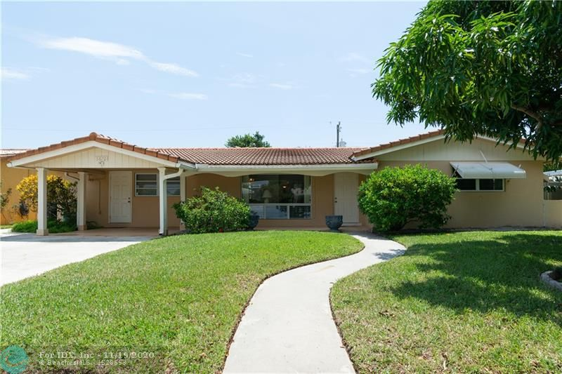 A WONDERFUL BUY IN IMPERIAL POINT !!!   3 BEDROOM  2 BATH HOME WITH A SPARKING  POOL ~EAT IN KITCHEN ~~ WONDERFUL VIEW OF POOL FROM  KITCHEN  WINDOWS ~~~ SPLIT BEDROOM PLAN ~~~GARAGE  IS CONVERTED TO 3RD BEDROOM ~~~ SIDEWALKS ~~~ CLOSE TO THE PARK~ ~~CLOSE TO   I 95 ~    3 MILES TO THE BEACH !!