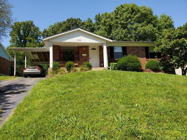 1123 N. Rock Hill Road, Webster Groves, MO 63119