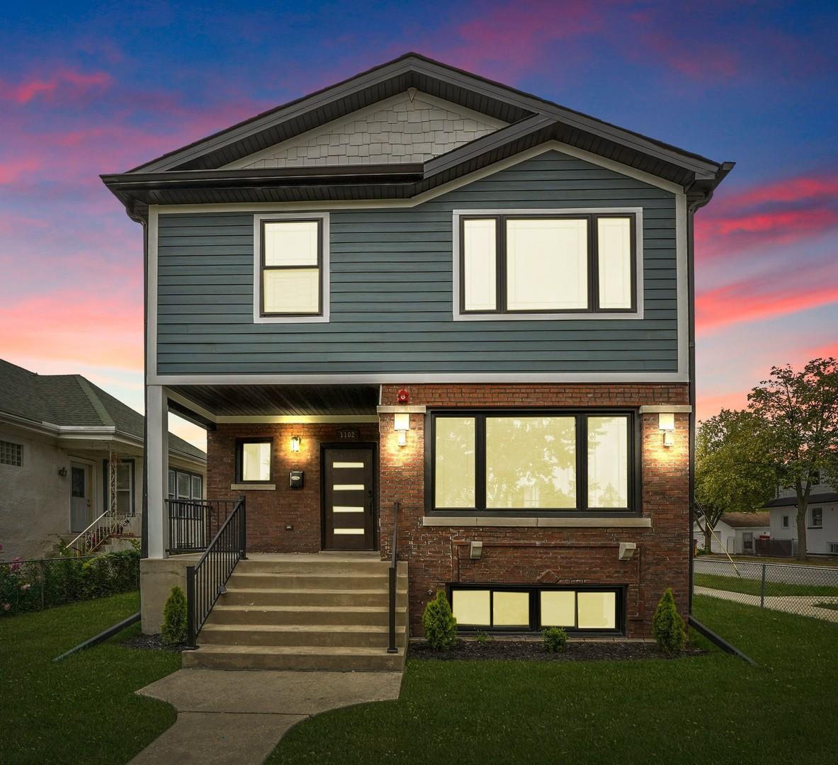 1102 N Taylor Avenue, Oak Park, IL 60302