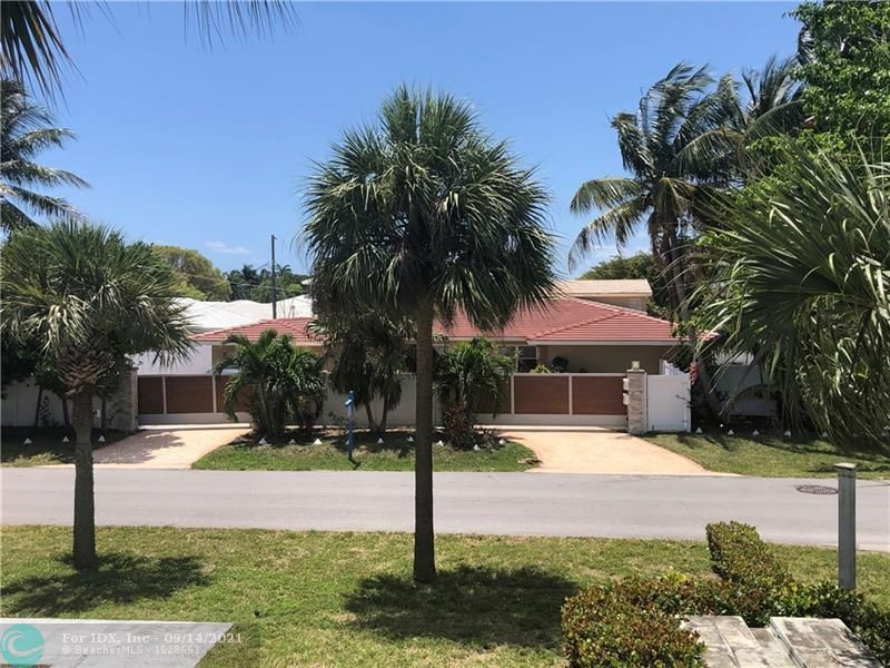 come home to this fully renovated duplex on both sides located in prestigious coral ridge country club and close to LBTS. with a little landscaping updates this property needs nothing more. gated entry. both sides have garages.