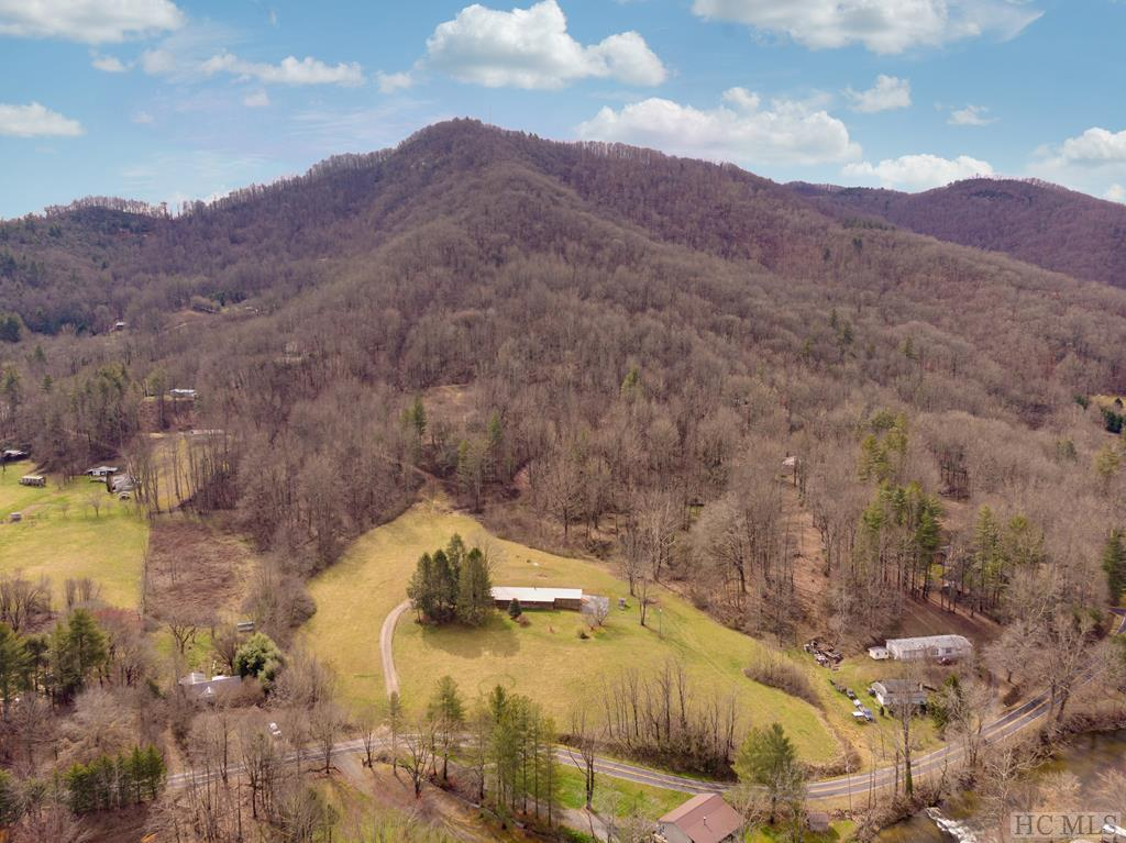 2871 River Road, Franklin, NC 28734