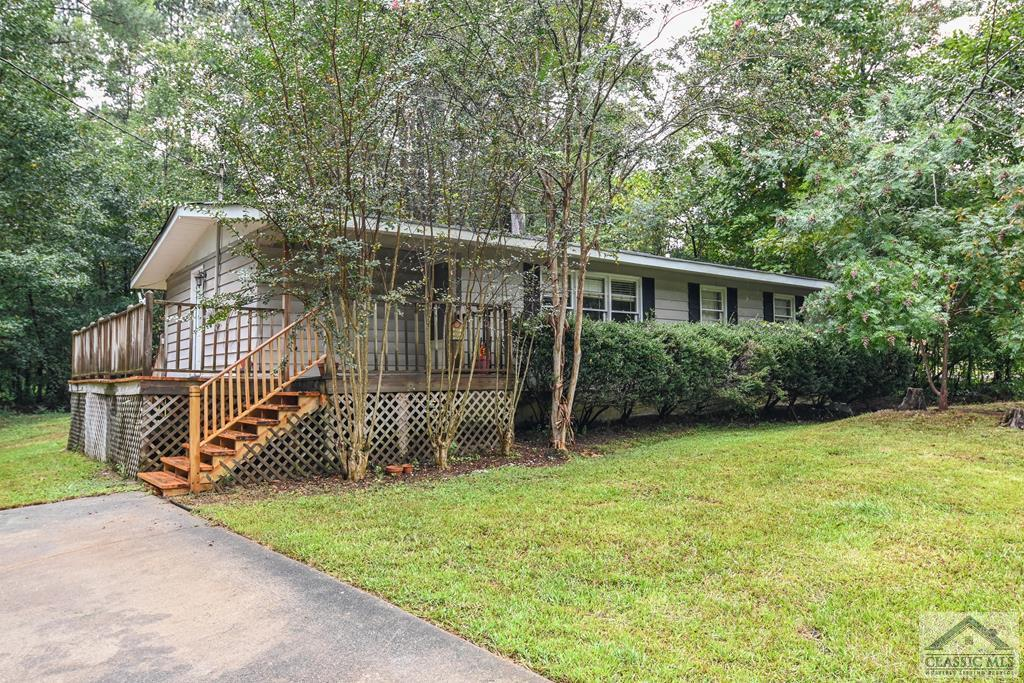 Charming 3 bed/1.5 bath home near downtown Winterville. New roof, new HVAC, plenty of possibility! Hardwood floor throughout, large level lot, private backyard. See 3D tour https://my.matterport.com/show/?m=azuvASMou27&brand=0