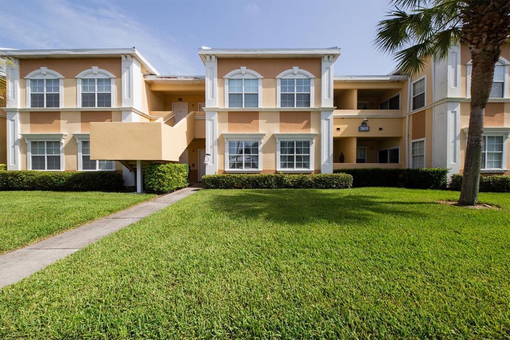3015 Chianti Court 103, Sarasota, FL 34237