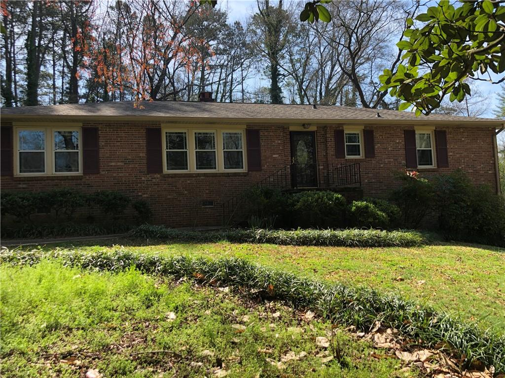 The perfect brick ranch in just the right spot! Right in between Clemson & Pendleton. 3beds, 2baths, living & dining rooms, large kitchen open to keeping room/den with brick fireplace. Tons of storage throughout, hardwoods through the majority of the house, bamboo in keeping room, lovely natural lighting. Private patio & backyard off the kitchen & den.