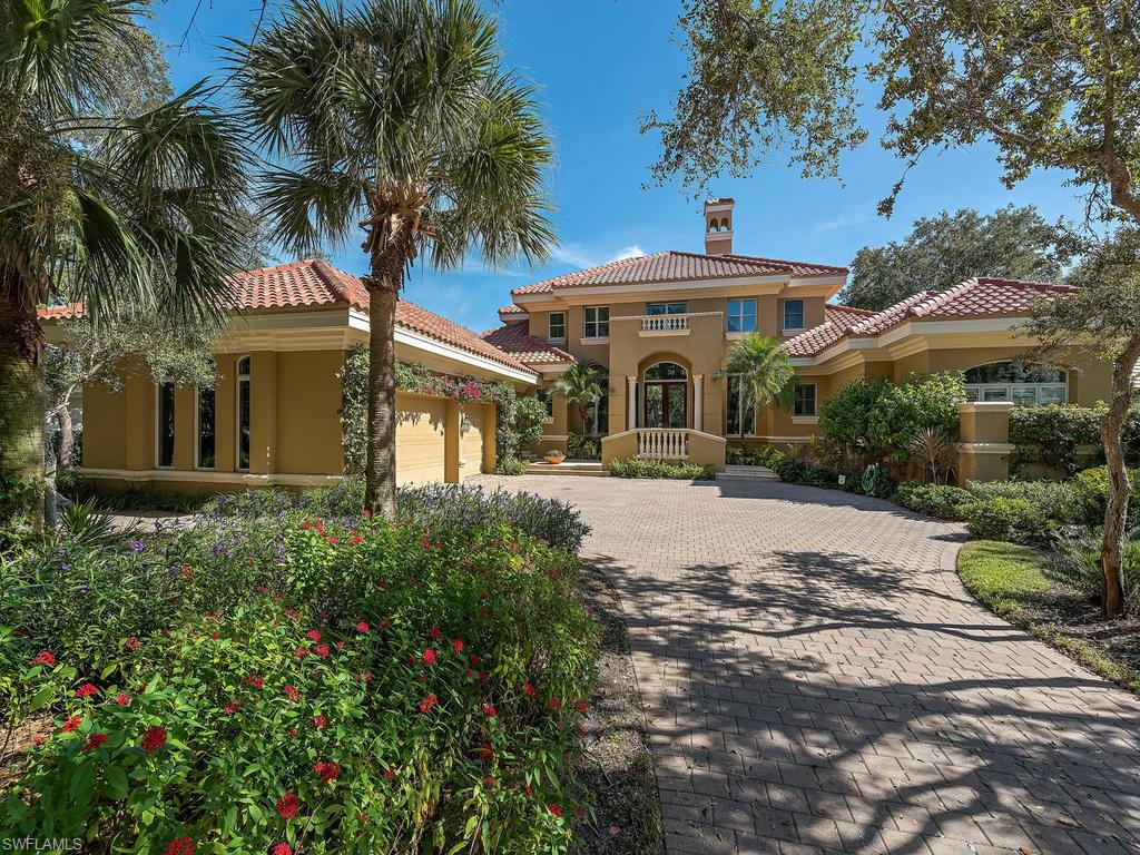 890 Barcarmil WAY, NAPLES, FL 34110