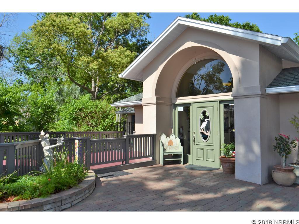 227 N Ridgewood Avenue, Edgewater, FL 32132