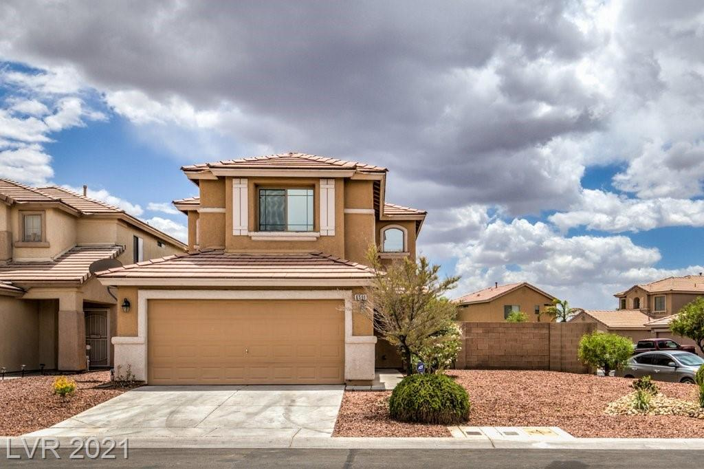 WOW check out this 4 bed/2.5 bath/2 car garage home with SPARKLING POOL/SPA! SPACIOUS kitchen with GRANITE counters, low maintenance artificial grass/rock landscaping. Make an offer TODAY!