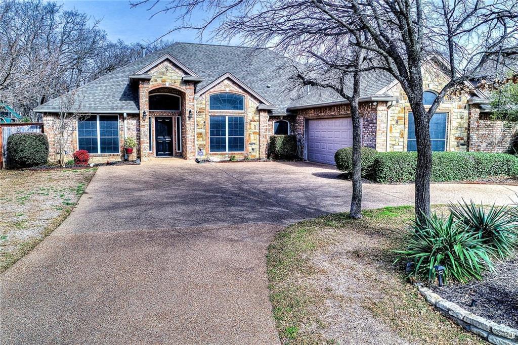 508 Hat Creek Drive, Hurst, TX 76054
