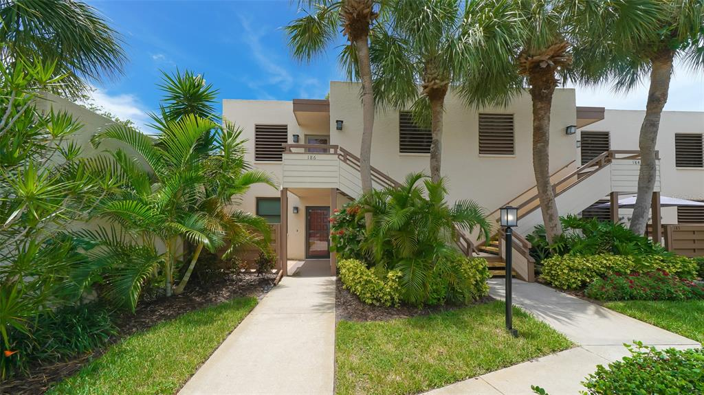 186 Pineneedle Drive 186, Bradenton, FL 34210