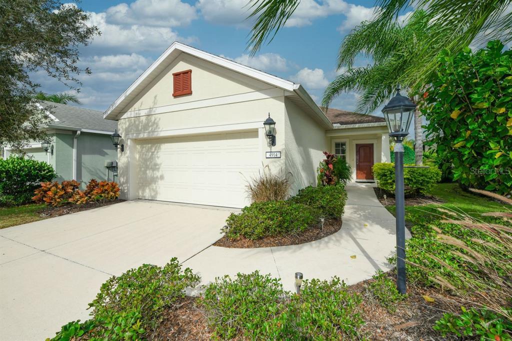 4914 Newport News Circle, Lakewood Ranch, FL 34211
