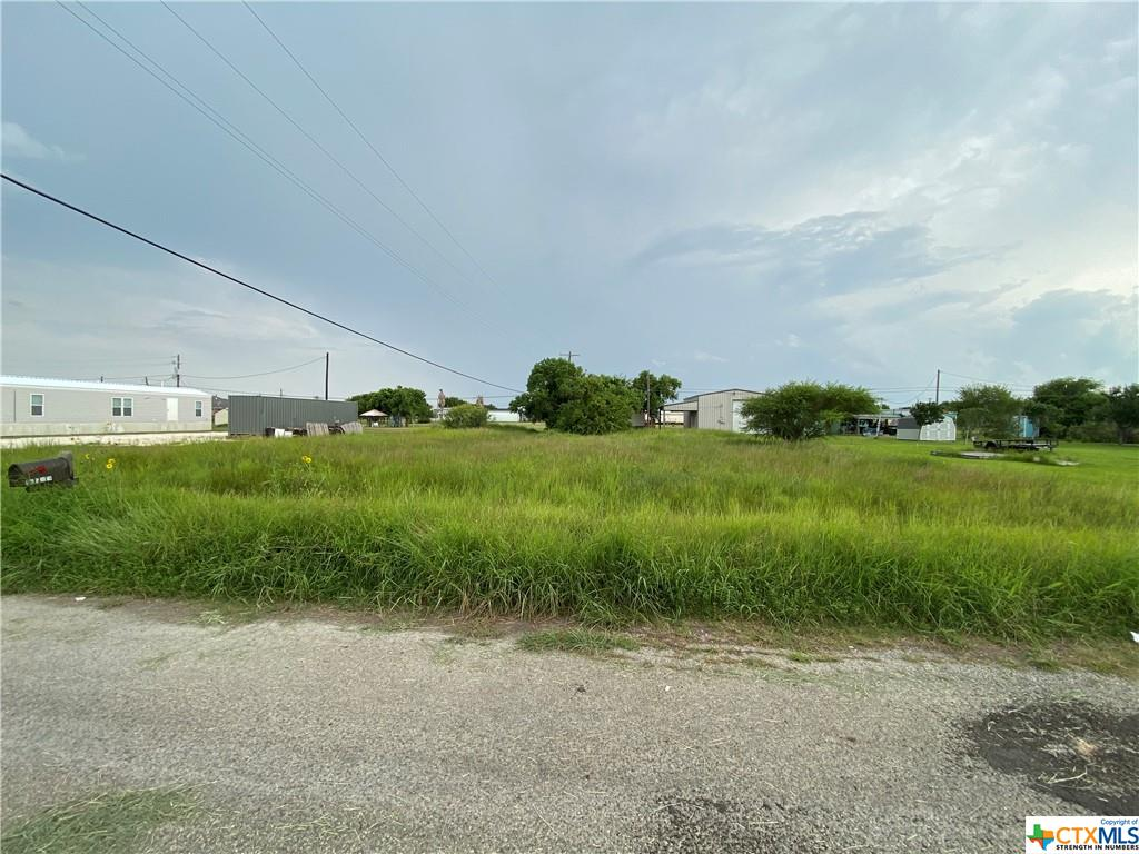 Beautiful city lot in Seadrift Tx! Build a Barndo, or just make a place for your RV for the weekend! Near all the city amenities and great fishing is just blocks away! GO see it today!