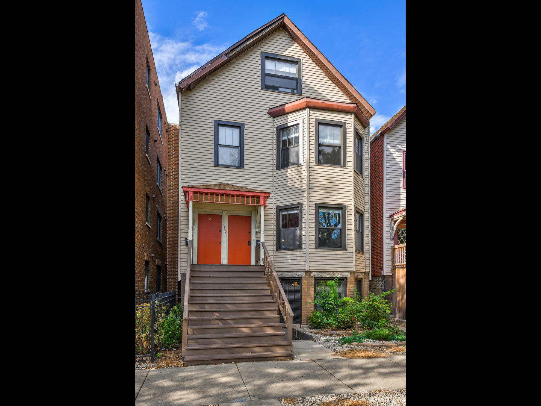 1140 W Roscoe Street, Chicago, IL 60657