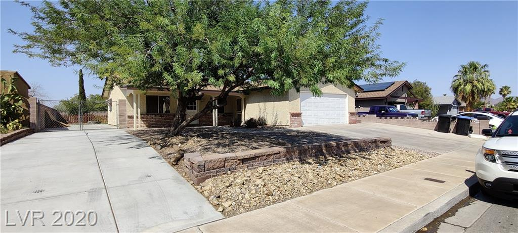 RV Parking, lots of RV parking on this 3 bedroom 2 bath home, spacious bedrooms, granite counters, No HOA, Chickens allowed, had chicken coop, garden area, dog run, covered patio, fire pit, top of the line water filtration system (alkaline drinking water) top of line water softener.