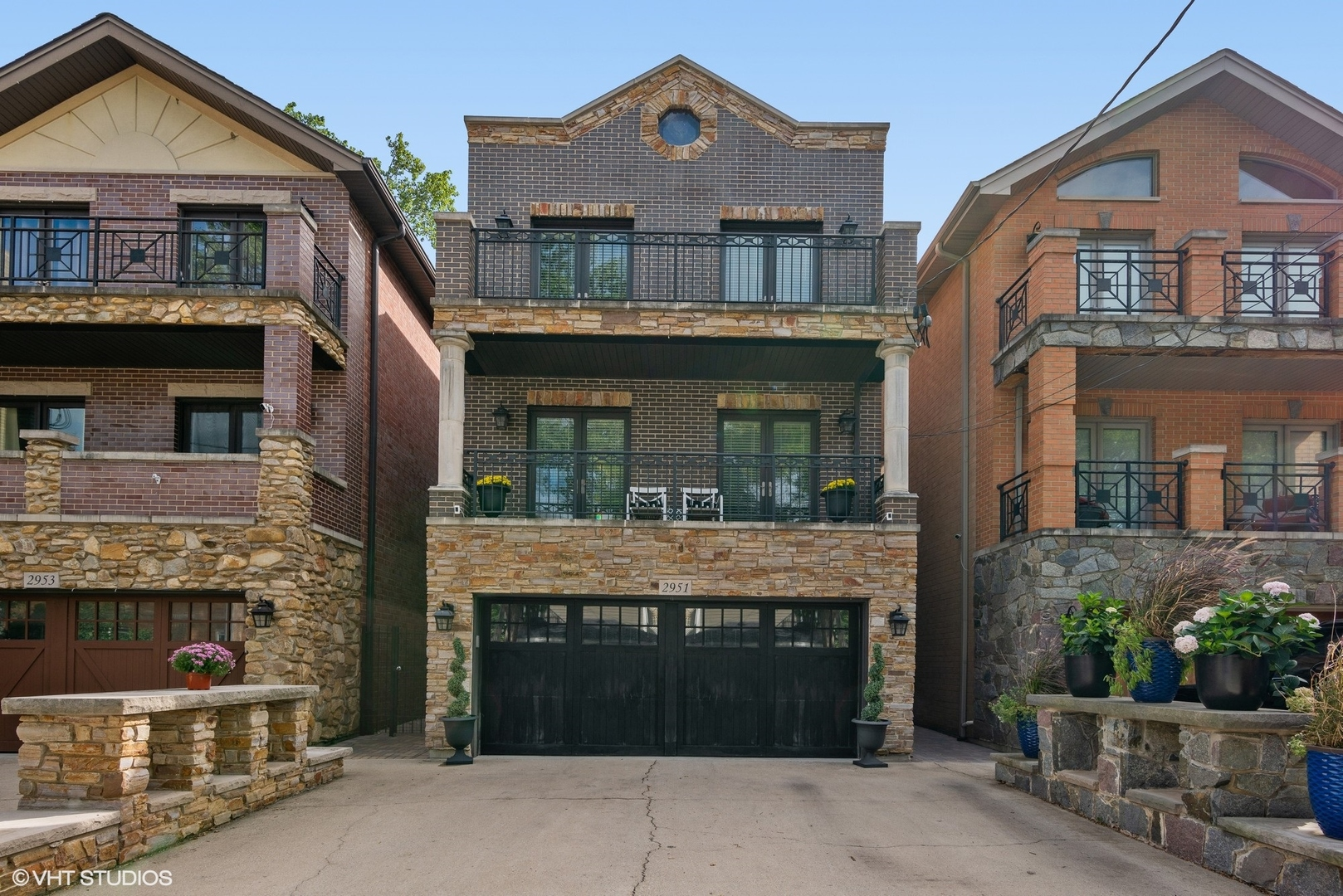 2951 N Honore Street, Chicago, IL 60657