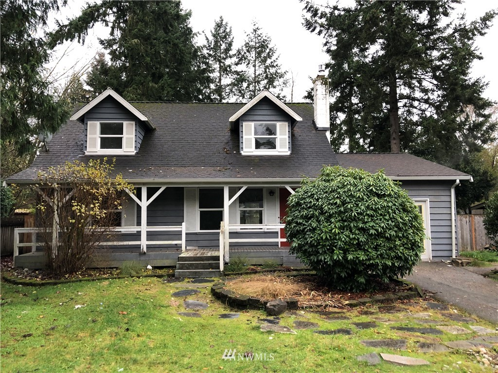 Country Cottage Living! Peaceful surrounds combined with convenient access to Redmond's