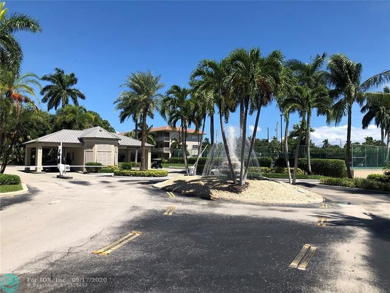 FANTASTIC PENTHOUSE CORNER UNIT BEAUTIFUL INTERCOSTAL VIEW FROM EVERY ROOM 2BED 2 BATH COMPLETE REMODEL IS A MUST SEE, WALKING DISTANCE TO BEACHES GATED COMMUNITY AND MORE