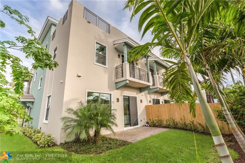 Wilton Manors- 3 Bedrooms/ 2.5 Baths. Villas on the Drive Townhomes are situated just steps away from iconic Wilton Drive, the city's arts & entertainment district. The bold & distinctive architecture is designed to capture both the sunrise & sunsets, which can be viewed from your own private roof top terrace complete with Wet Bar. The Villas three-story designs range in size from approx. 3,572 to 3,611 total sq ft & the luxurious appointments include: private elevators, porcelain flooring, quartz counters, & GE Profile stainless steel appliances. Completion Date is expected in August of 2019.