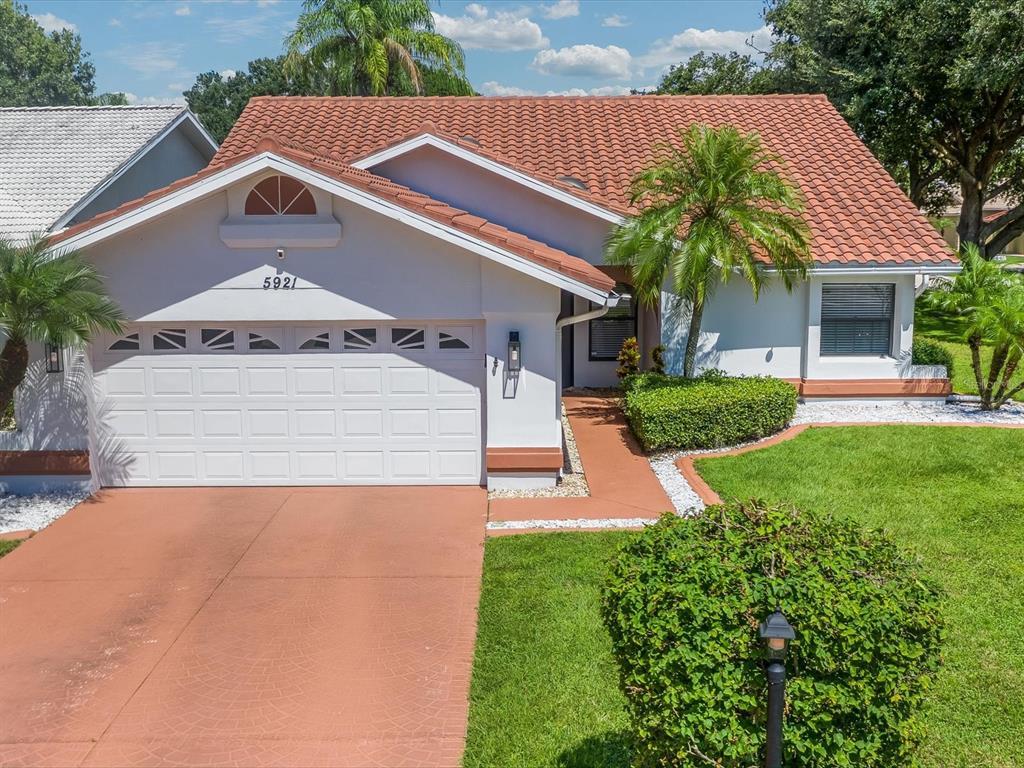 5921 San Michelle Drive, Sarasota, FL 34243