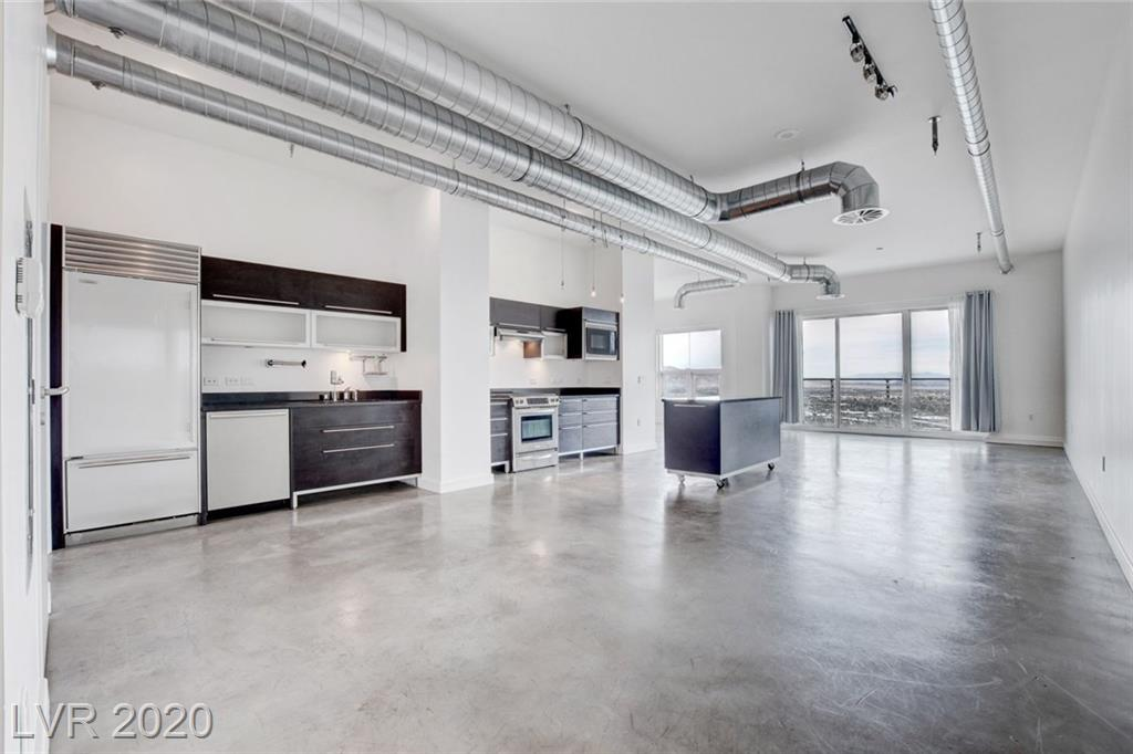 Modern loft style 1 bed/1 bath unit in Newport Lofts is available now! Unit includes European style cabinetry, stainless steal appliances and amazing views! Amenities include a fitness center and rooftop pool!