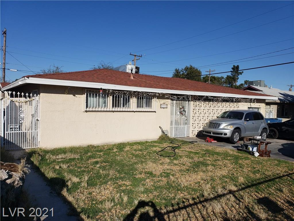 TRADITIONAL SALE!! INVESTOR SPECIAL!! House is in much need of some TLC & overall improvements, But holds a lot of potential!! Home features: Single story w/ 4 bedrooms & 4 baths!! Nice living room w/ fireplace!! Kitchen w/ solid countertops, pantry & dining area!! No HOA Dues!! Master bed w/ walk-in closet, bath w/ his/her sinks!! Spacious yard w/ covered patio & POOL!! In close proximity to schools, shopping & dining!! Don't miss out, Make an offer today!!